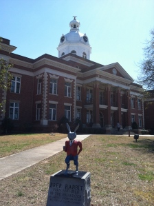 Brer Rabbit Statue in front of the Putnam County Courthouse