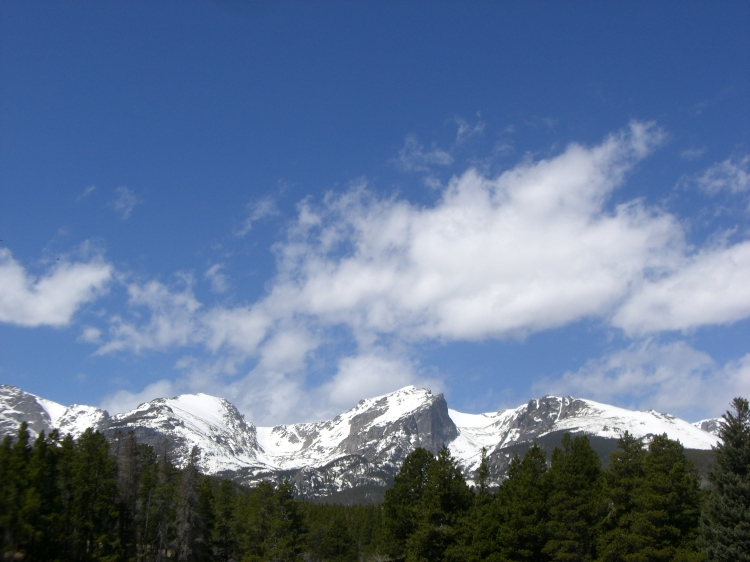 Sky above the Continental Divide in the Rocky Mountain National Park (from Sprague Lake)